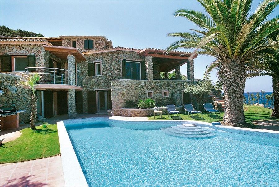 Acquistare beni immobili a Cagliari, vicino al mare