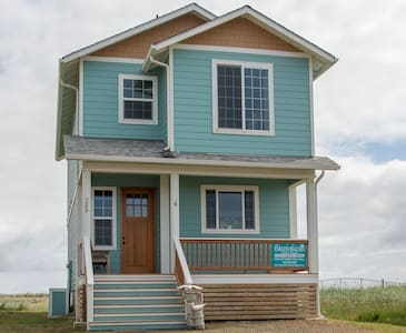 Endless Beach Waterfront Home - Ház