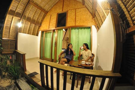 Krisna Bungalow-Lumbung Sea View - Bungalow