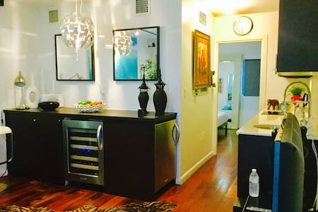 ONE BED ROOM IN HEART OF SOBE - Apartment