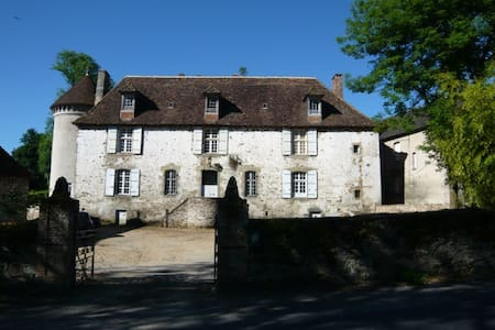 Rooms for rent in Magnac Bourg - Castle