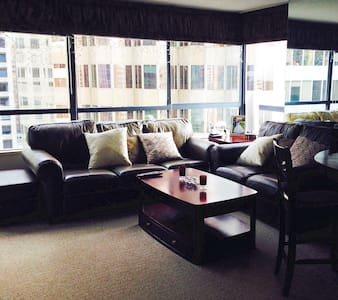 Executive 1 bed Downtown apartment
