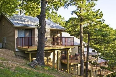 OZARK MOUNTAIN RESORT 2 Bedroom/2ba - Kimberling City