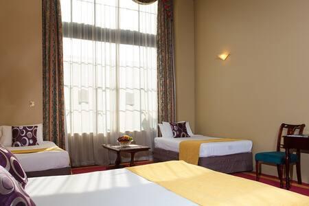 Beautiful Room - City Central Hotel - Hamilton