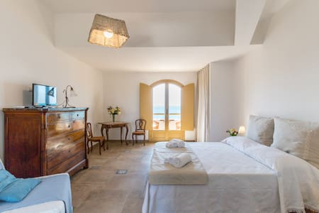 Relax in front of the sea for 3 - Punta Braccetto - Bed & Breakfast