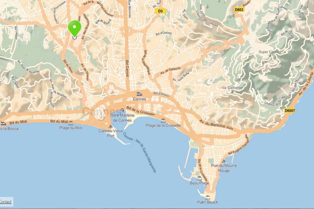 à 25 mn à pied du cœur de Cannes ou bus fréquents.