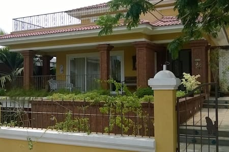 Magnificent Seaview villa Nr Bambolim beach - Siridao