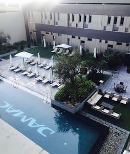 Luxury studio hotel apt close burj khalifa - Osakehuoneisto