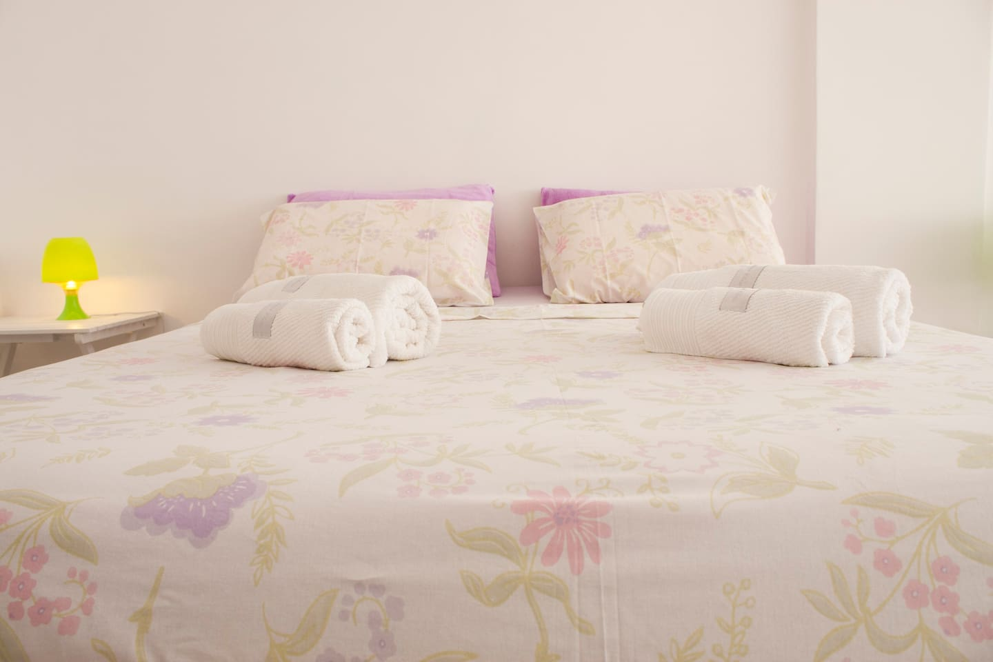 Queen size (1,58 x 1,98) cama/bed
