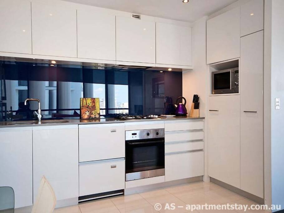 Easy to use fully equipped kitchen.
