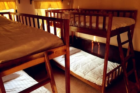 Matata Garden GH's  Youth Hostel 1 - Dormitorio compartido