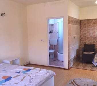 Modern 1 bedroom apartment - Daire