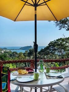 Private en-suite w outdoor kitchen and terrace! - Quepos - Bed & Breakfast
