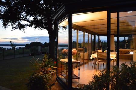 Chez Palicodia - Chambre Rose - Bourg - House