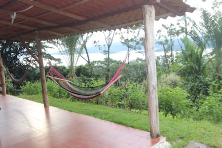 Equipped  Rustic Cabin - La Fortuna - Bed & Breakfast