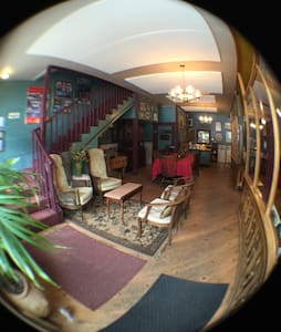 Historic Inn- Rent 1 or Rent all 7 - Silverton - Huvila