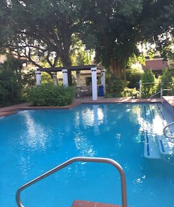 The perfect mini getaway place! - McAllen - Apartment