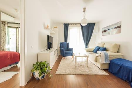 Precioso piso muy bien comunicado - Apartment