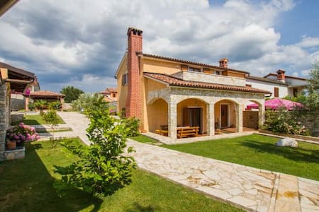 Villa with pool in central Istria - Barban