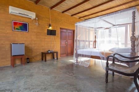 Cozy Villa room with Pool near Beach - Vila