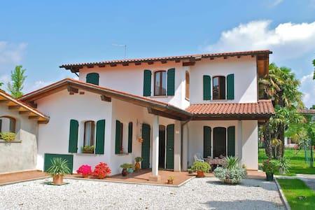 Villa Alma near Venice / Jesolo - Hus