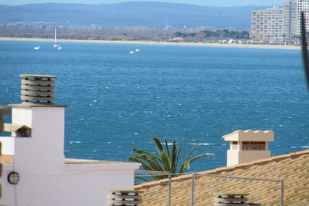 Studio at 40 metres from the beach