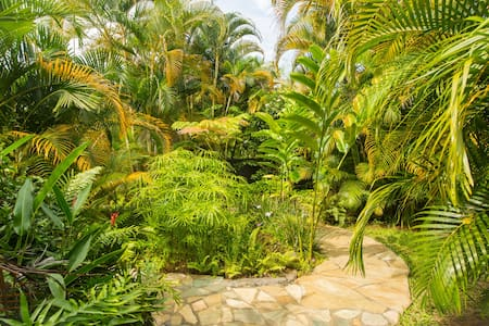 Enchanting Hideaway - Hawaiian Style Screened Hale - Kealakekua - Hus