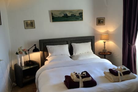 Chambre de charme 2 - Lumio - Bed & Breakfast