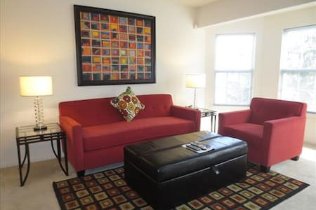 Lux Westwood 1BR w/pool, gym & Wifi