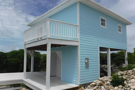 Eva's Beach Retreat - Clarence Town - Casa
