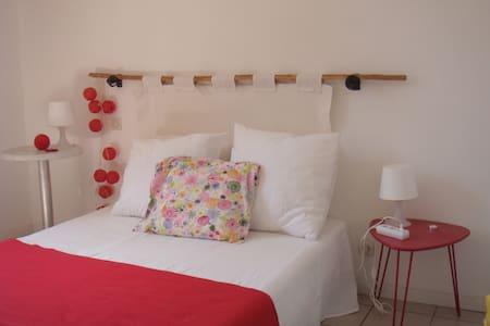chambre n1 dans appartement - Agde - Lejlighed