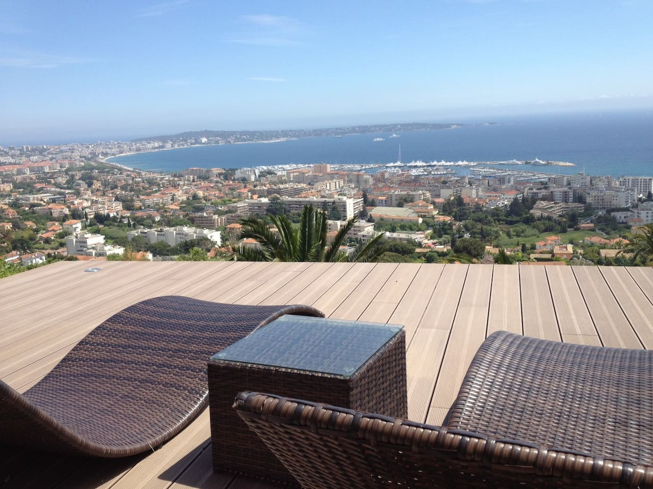 Superbe vue sur la baie de Golfe Juan - Marvelous view of the bay of Golfe Juan