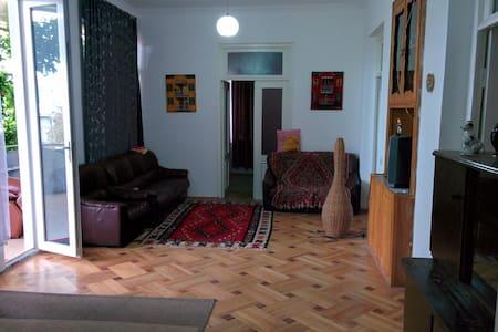 Natali GuestHouse Telavi, Georgia - Byhus