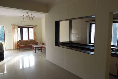 Large bright room with kitchen  - Morjim - House