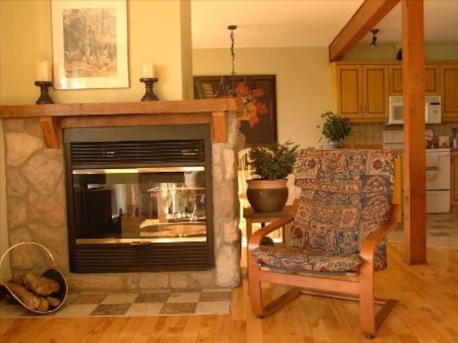 Double sided fireplace, perfect for a toasty apres-ski