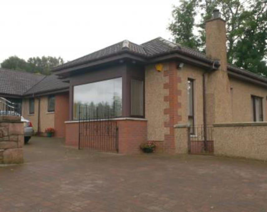 External view of Birchwood Guest House
