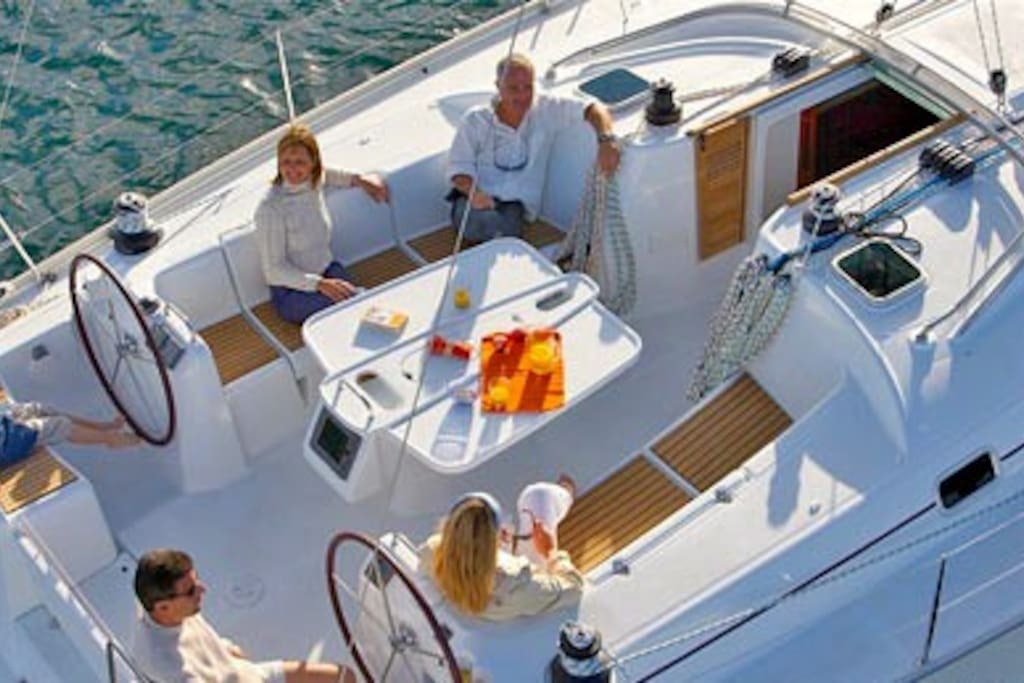 Sailboat in Barcelona for 6 persons