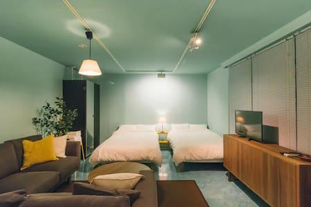 Mid of Roppongi, Minimal Base #1 - Apartment