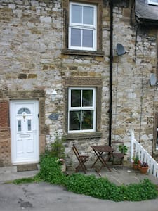 Longstone View,Self Catering Cottage ,Bakewell - Bakewell