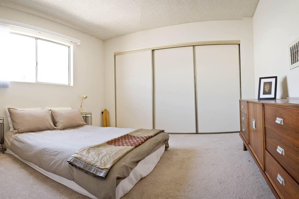 Firm pillowtop mattress (brand new!)