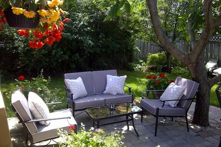Well Cared-For Home, City Centre - Mississauga - Talo