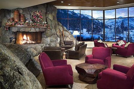 THE LUXURIOUS RESORT AT SQUAW CREEK - Olympic Valley - Daire