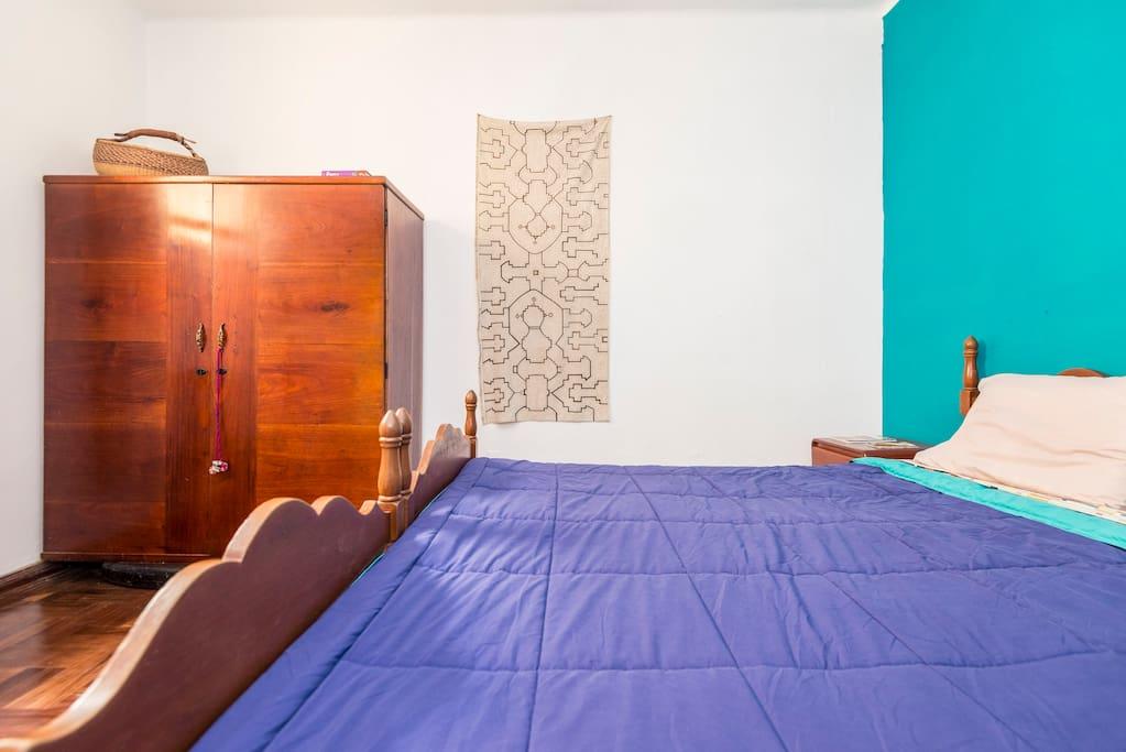 Cozy Room in Artistic Barranco
