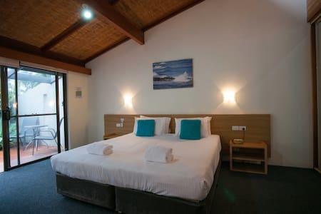Sea Star Apartment - 1 Bedroom Studio - Sapphire Beach - Blockhütte