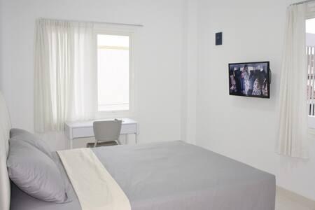 Modern elegant room Yogyakarta - Yogyakarta - Bed & Breakfast