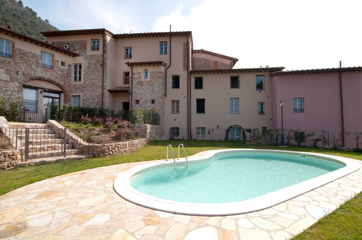 Remove Camaiore apartment inexpensively