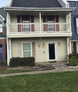 Nice just updated Townhouse! - Townhouse