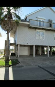Beautiful Getaway/ Vacation Home - Port Isabel - Apartamento