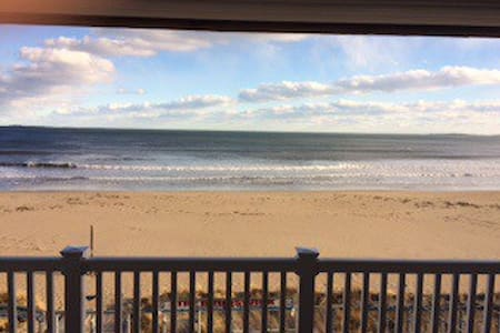 Oceanfront condo, spectacular views - 올드 오차드 비치(Old Orchard Beach) - 아파트(콘도미니엄)