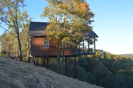 New! Canyon View Treehouse - Jasper